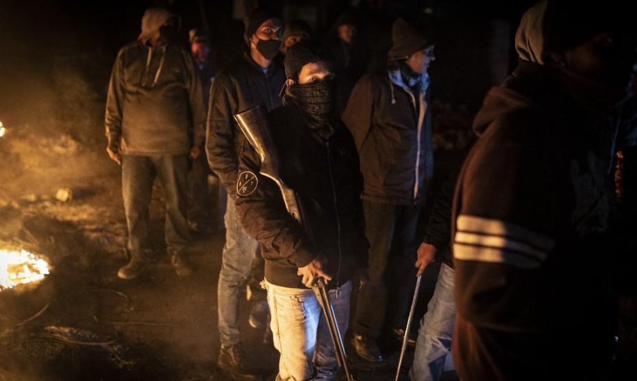 Milice empêchant des pillages en Afrique du Sud - GUILLEM SARTORIO / AFP