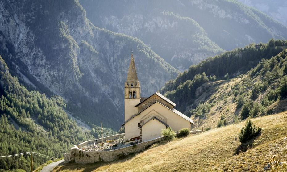 Eglise Saint-Michel de Cervières (05), France /© Corinne SIMON/CIRIC