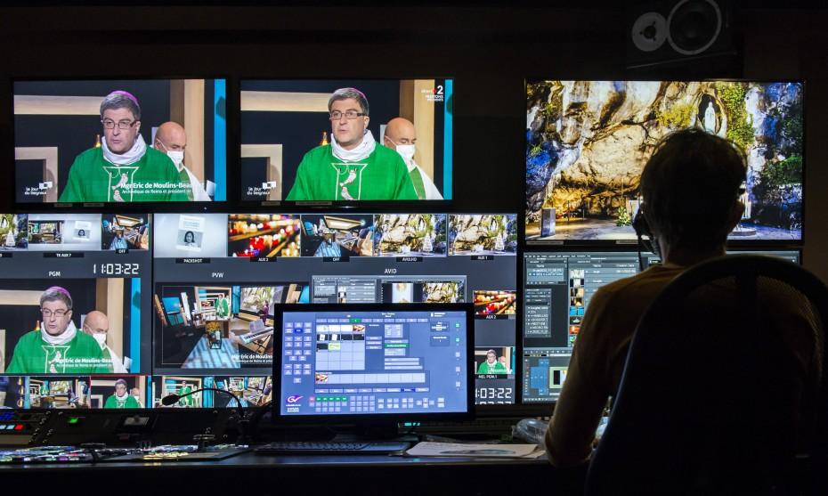 Messe retransmise depuis les studios du CFRT, le 08/11/2020 ©Corinne SIMON/CIRIC